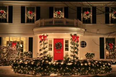 Red Door Holiday Lighting Fence Garland