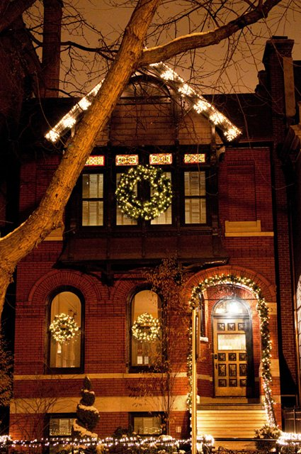Holiday Lighting Chicago Homes Professional Windows