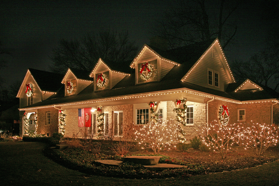 Holiday Lighting Chicago Homes Professional